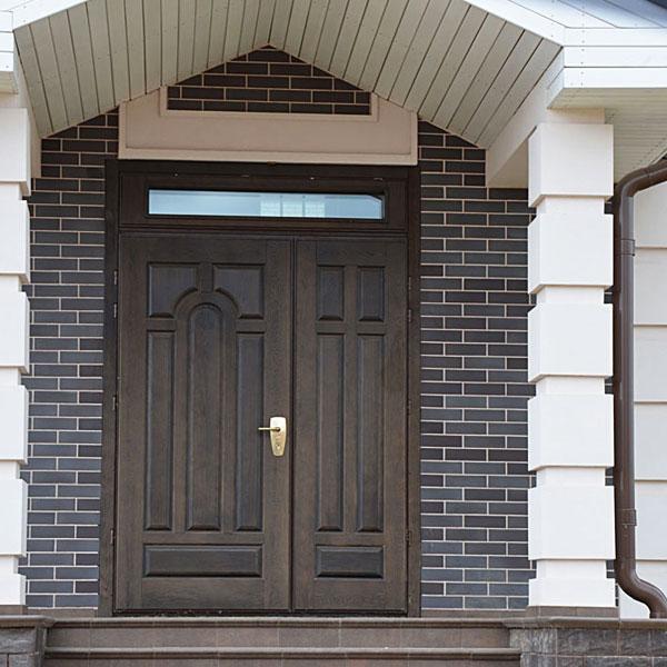 железные нестандартные двухстворчатые уличные входные двери